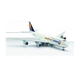 REVELL 1:144 Boeing 747-8 Fanhansa Siegerflieger [REV01111]